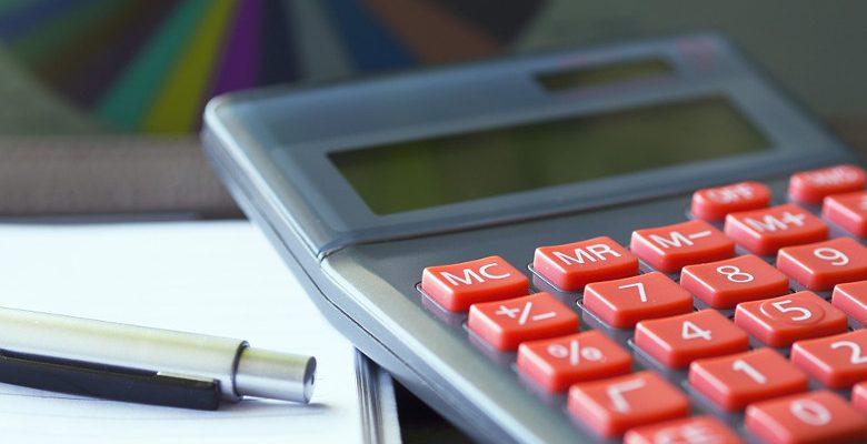 Quelle est la solution la plus avantageuse, renégocier le prêt immobilier ou faire un rachat de crédit ?