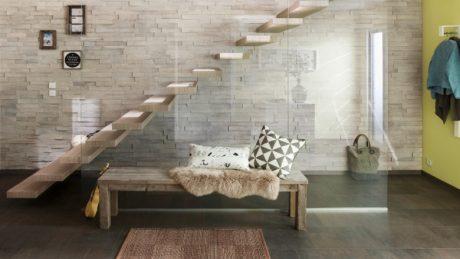 Les solutions de menuiserie en bois pour la conception d'escaliers et de cuisines