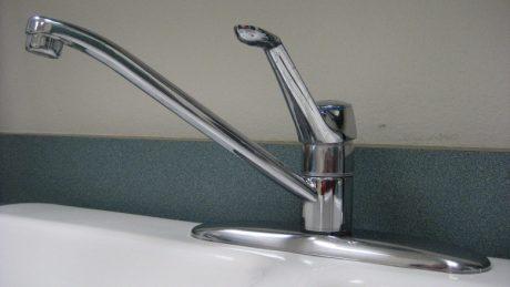 Pose de robinets : quels matériaux choisir ?