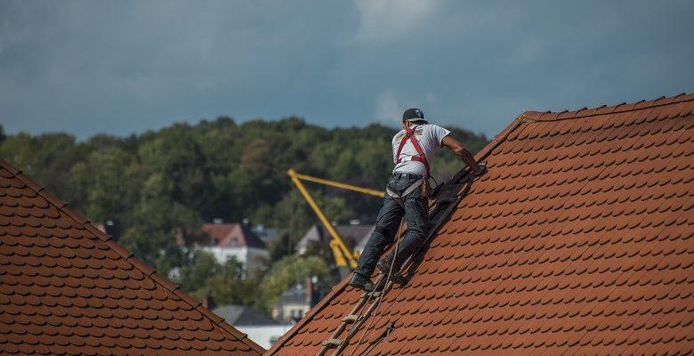 Nettoyer sa toiture : les démarches à faire