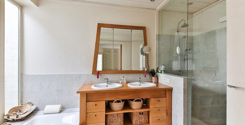 Rendre sa salle de bain plus accessible avec une douche senior